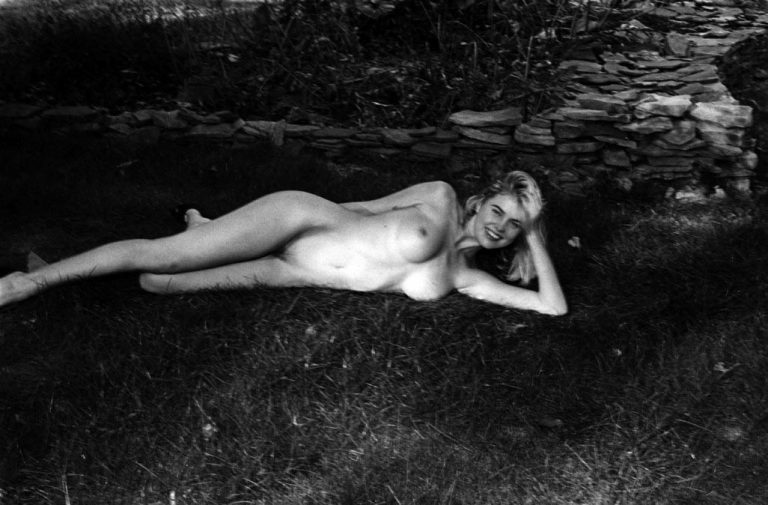 Kayslee Collins nude in the backyard. Photography by Jonathan Leder for Fetishisms volume II. Shot in Woodstock, New York.
