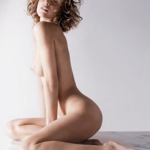 Eva naked is paradise.