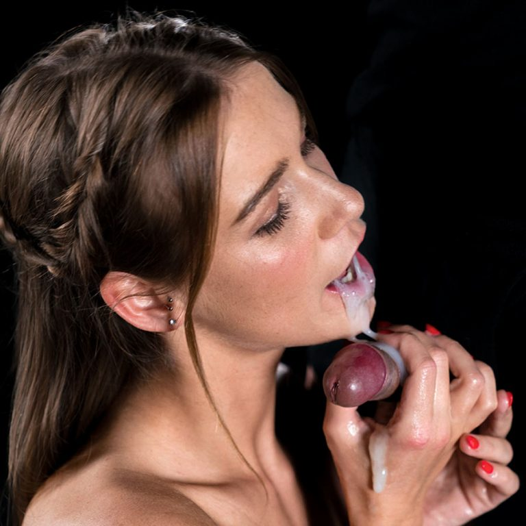 Alexis Crystal Cum Covered Group Handjob. Uncensored JAV video from SpermMania. A nude girl gives Blowjobs and Handjobs to many men.