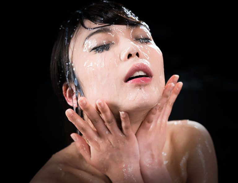 Yui Kawagoe nude in an uncensored Japanese Bukkake Facial Cum Fetish video at Sperm Mania.