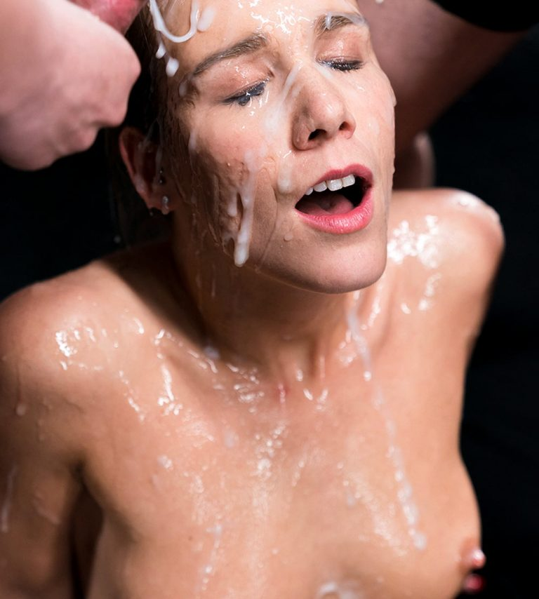 Alexis Crystal Bukkake video. The nude girl receives 33 cumshots in the uncensored JAV video Alexis Crystal's Sticky Bukkake Facial at SpermMania.
