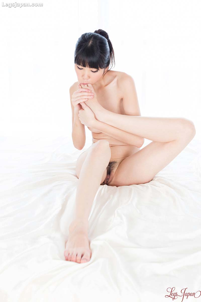 Anna Matsuda, nude JAV Idol in uncensored Leg and Foot Fetish videos from LegsJapan.