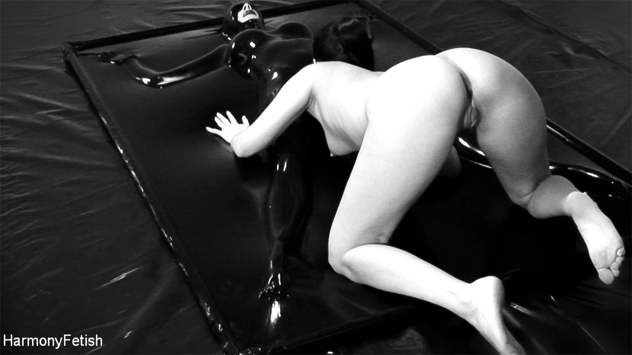 Jay Snakes, Claudia Rossi and Ree Petra in the Fetish BDSM video Spread 'em wide and Fuck Me Deep.