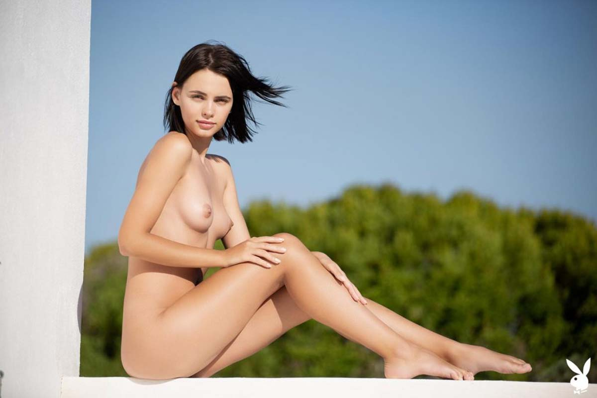 Ariel, nude playboy girl in forever yours by Henrik Pfeifer.