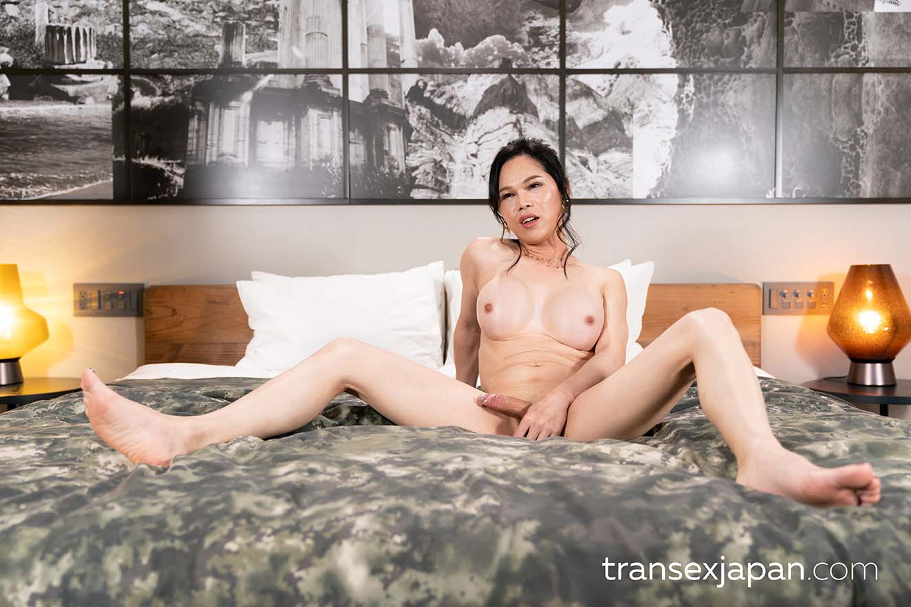 A Shemale Blowjob video from TranSexJapan. Uncensored newhalf porn with a nude Chinese Transexual Idol.