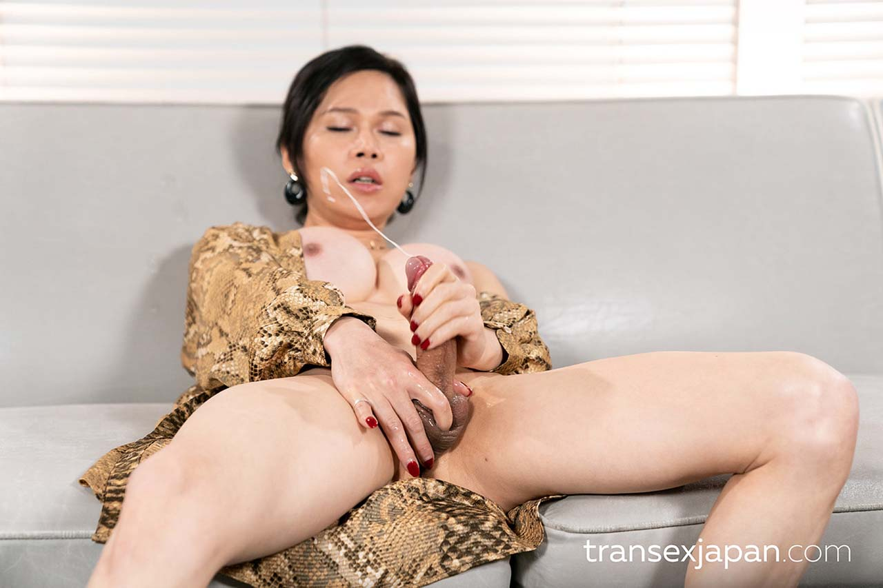 Mimi TranSex Intense Cumshot Cock Masturbation. Uncensored Shemale porn with a nude Chinese Newhalf Girl from China.
