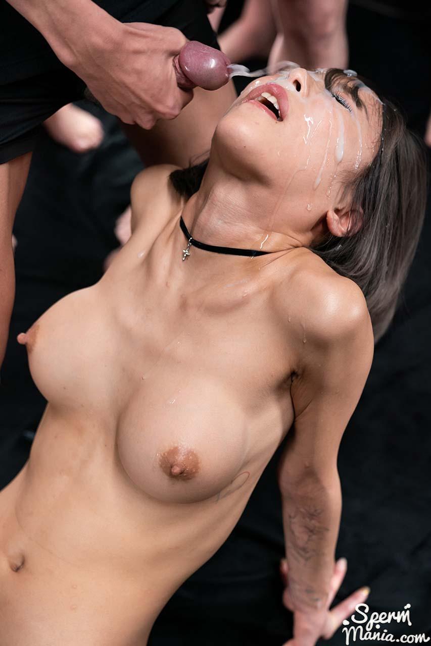 Nanako Nanahara Bukkake performance. The nude Japanese girl receives 33 cumshots on her face in the uncensored video Nanako Nanahara's Sticky Bukkake Facial.
